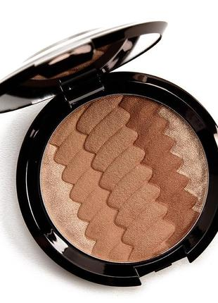 Бронзер gradient sunlit bronzer від becca