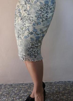 Интересная юбка с цветочным принтом