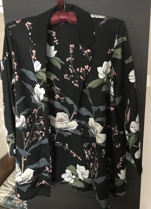 Крутой сатиновый пиджак жакет рукав 3/4 цветочный принт river island