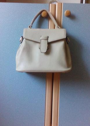 Шикарная нюдовая сумка