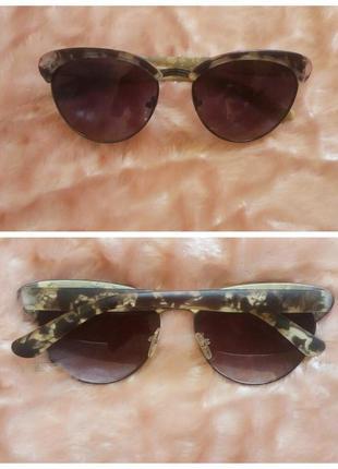 Солнцезащитные очки кошечки cat eyes с мраморной оправой
