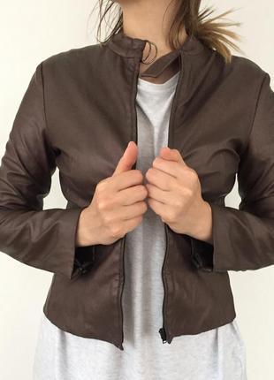 Куртка темно-золотая из кожзама