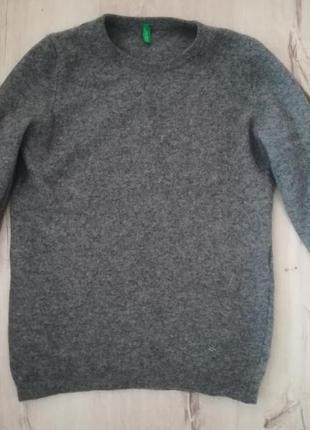 Ангоровой свитер
