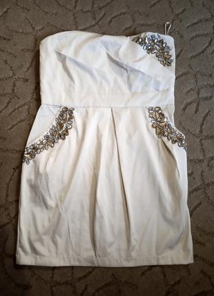 Краствое нарядное платье с декором 16 размер