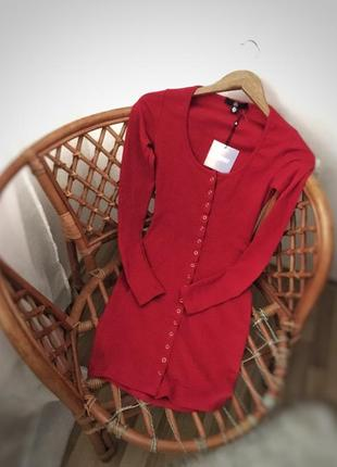 Облегающее платье в рубчик на кнопках missguided