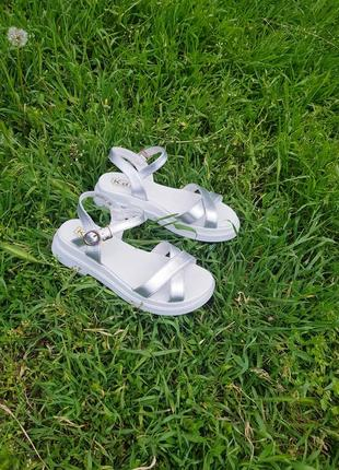 Супер стильные и удобные сандалики натуральная кожа1 фото