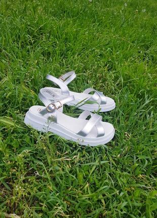 Супер стильные и удобные сандалики натуральная кожа2 фото