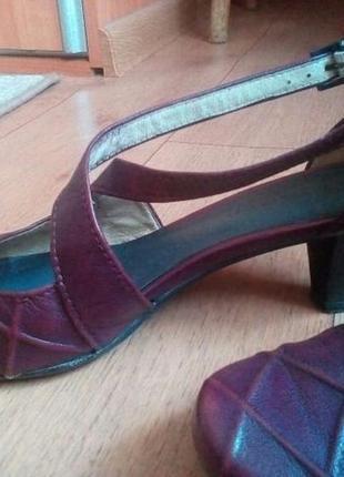 Кожаные летние туфли/ босоножки tamaris