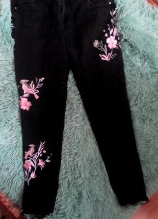 Нереальные джинсы с вышивкой