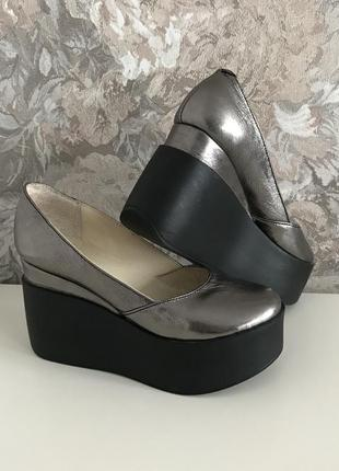 Женские туфли из натуральной кожи, цвет металлик