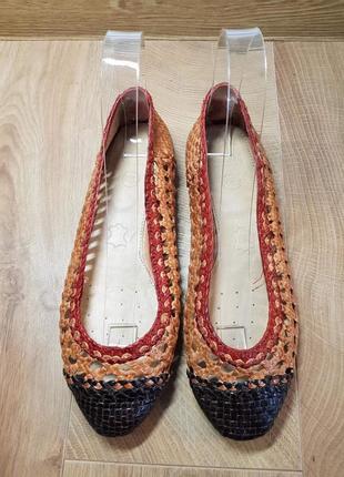 Нові фірмові шкіряні туфельки