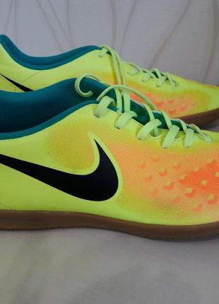 Невероятно красивые, оригинальные, яркие, мужские кроссовки. nike