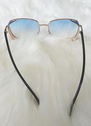 Солнцезащитные очки с голубыми стёклами5 фото