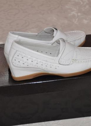 Мокасины  туфли белые  кожаные р.37 турция