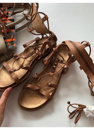 Новые кожаные сандали босоножки с переплетами sah pp 40