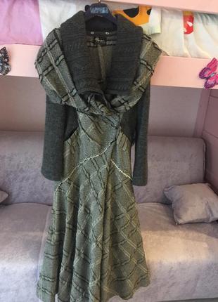 Фирменное вязаное пальто