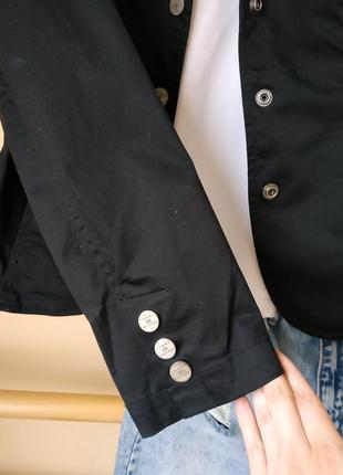 Базовый чёрный блейзер/пиджак в кежуал стиле от tommy hilfiger на кнопки5 фото