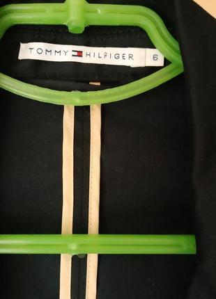 Базовый чёрный блейзер/пиджак в кежуал стиле от tommy hilfiger на кнопки2 фото