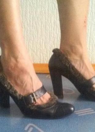 Продам кожаные туфли итальянской фирмы fellini 37-38 размера