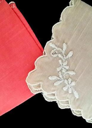 Котоновые платочки с вышивкой