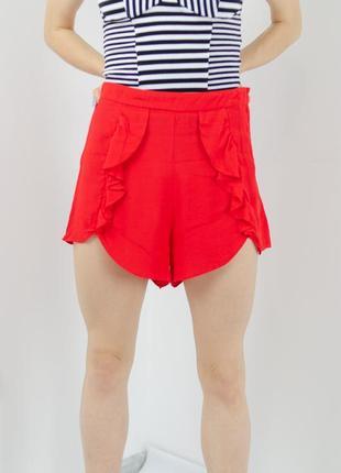 H&m красные шорты из вискозы на высокой посадке с оборками , легкие летние шорти