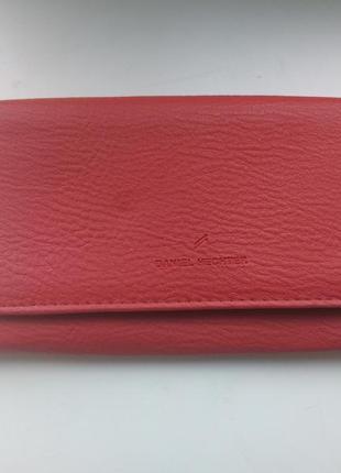 Яркий вместительный кошелечек от daniel hechter