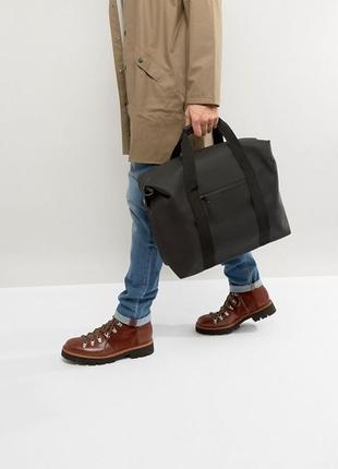 Непромокаемая сумка для ручной клади rains