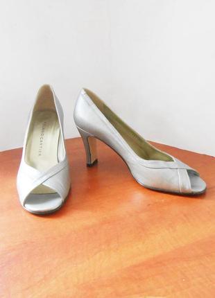 Элегантные фирменные туфли босоножки от бренда roland cartier, р-р 39 код t3922