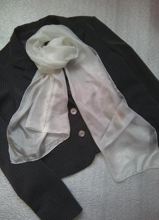 Шовковий білий шарф