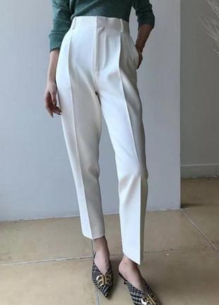 Штаны белые на высокой талии в стиле парижанки хлопковые со стрелками классика лето  шик
