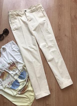 Котоновы брюки цвета слоновой кости