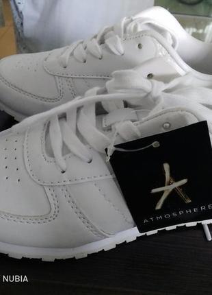 Белые кроссовки / білі кросівки