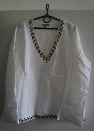 Аля-вышиванка - легкая белая рубашка свободного кроя с вышивкой из перламутра