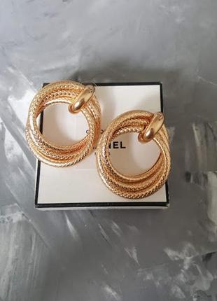 Большие фактурные змеинные золотистые серьги кольца круги тренд 2019