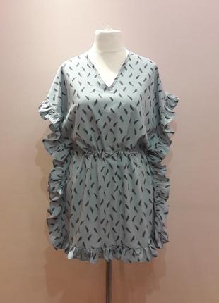 Оригинальное платье с воланами