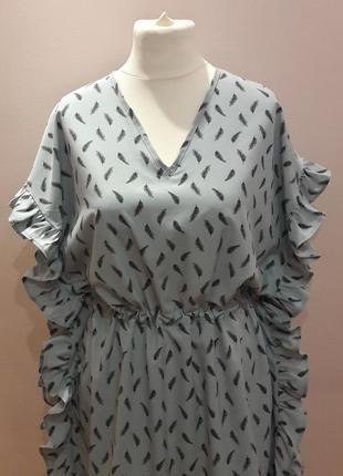 Оригинальное платье с воланами2 фото