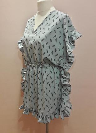 Оригинальное платье с воланами3 фото
