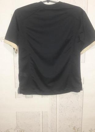 Спортивная футболка для подростка