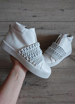 Кроссовки белые ботинки kendall+kylie kkduke 37 р 24 см кожа