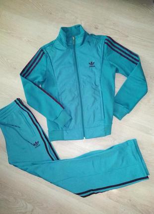 Спортивный костюм adidas 44-46.оригинал.