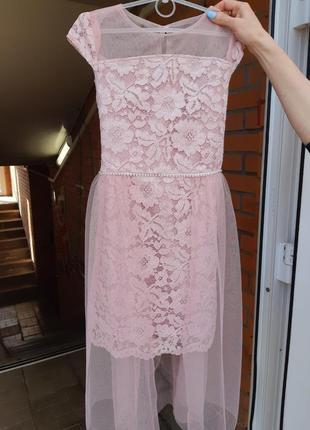 Шикарное платье на девочку!! пудра