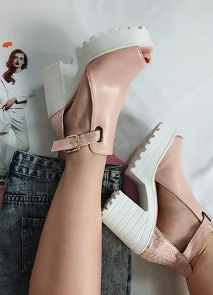 Босоножки, босоножки на каблуке, туфли тракторная подошва, босоножки стильные