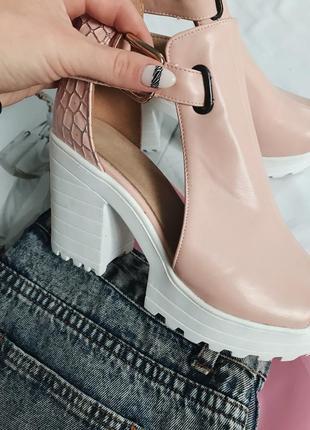Босоножки, босоножки на каблуке, туфли тракторная подошва, босоножки стильные3 фото