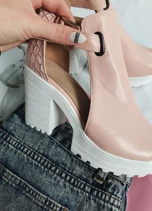 Босоножки, босоножки на каблуке, туфли тракторная подошва, босоножки стильные4 фото