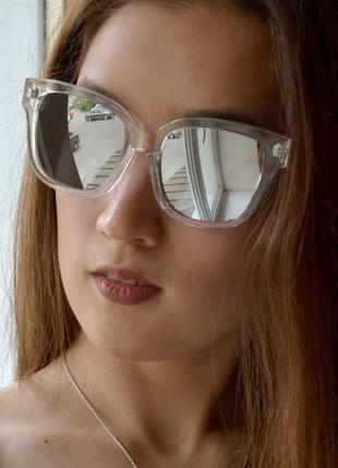 Изящные женские солнцезащитные очки