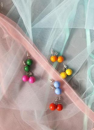 Серьги пусеты круглые цветные шарики универсальные яркие подвседневные