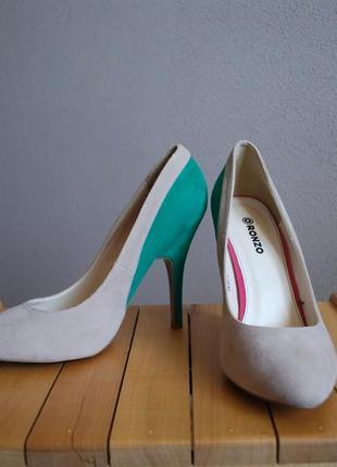 Туфли на шпильке классические ronzo