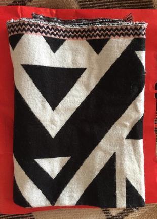 Теплий шарф reserved