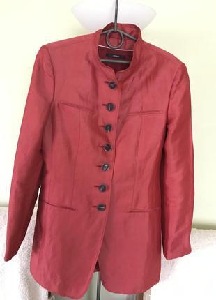 Бренд-премиум класса.длинный пиджак с атласным переливом.