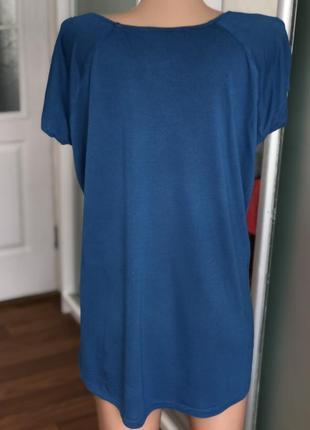 Синяя футболка со стразами размер хл4 фото
